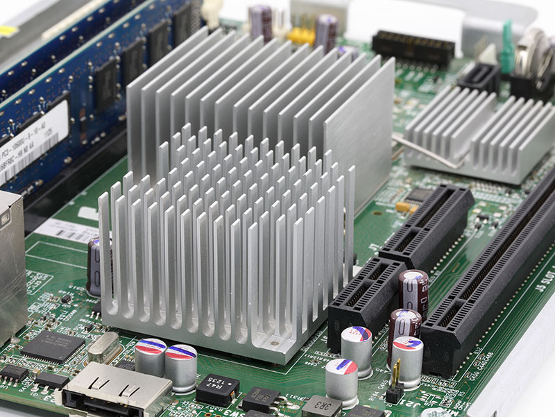 Passive extruded heat sink